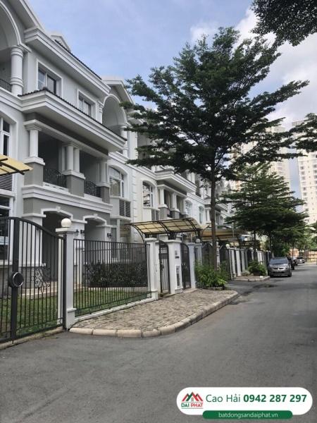 Bán biệt thự phố vườn cao cấp Phú Mỹ Hưng với Hiện trạng nhà thô nguyên bản của PMH