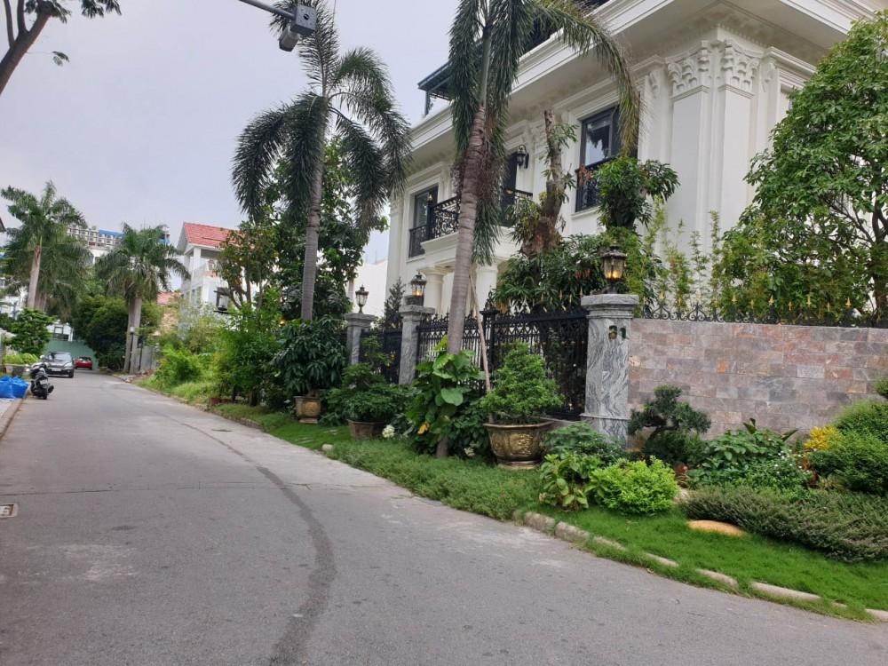 Ban Biet Thu Don Lap Cao Cap Khu Nam Thong Phu My Hung
