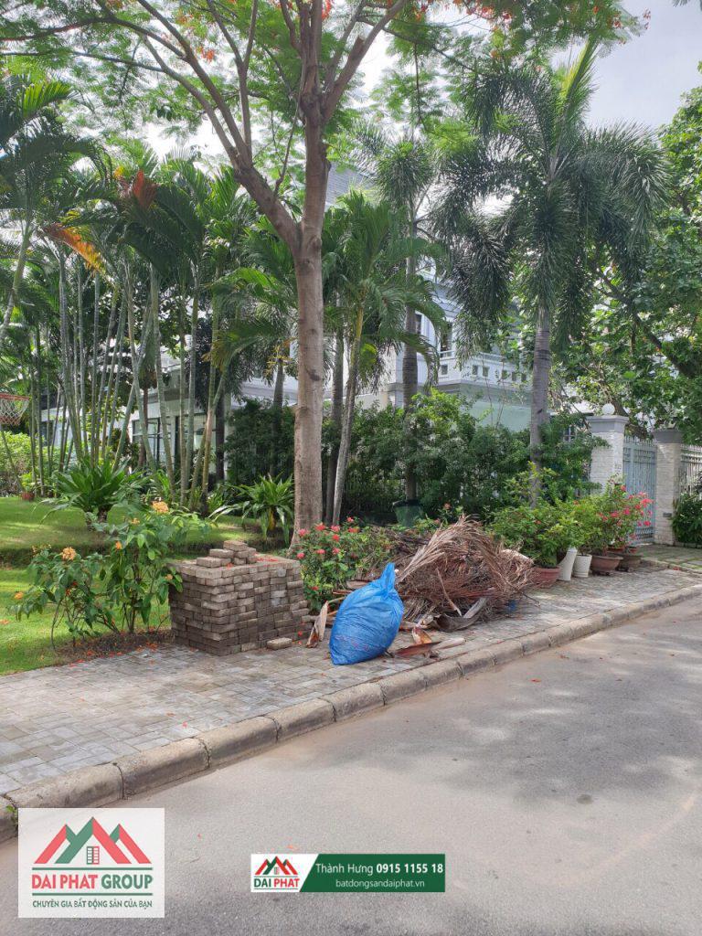 Biet Thu Nam Thong Can Goc Canh Cong Vien Ho Boi San Vuon Rong