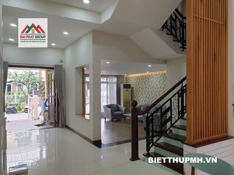 Ban Biet Thu My Giang 2 Phu My Hung Kieu Nha Lech Tang Phong Khach Tran Cao View Dep Gia 22.5 Tỷ 0938881171