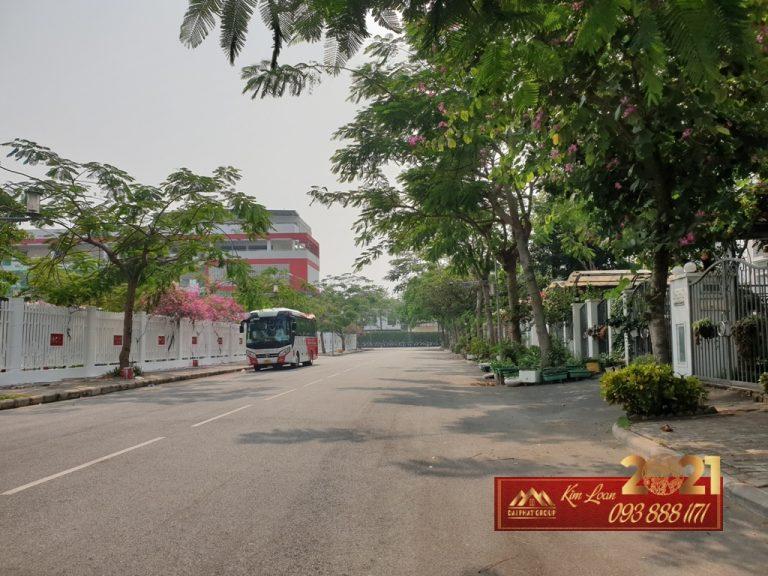 Ban Biet Thu Dep Phu My Hung Quan 7 Doi Dien Truong Canada Gia Sieu Hot 25.8 Tỷ