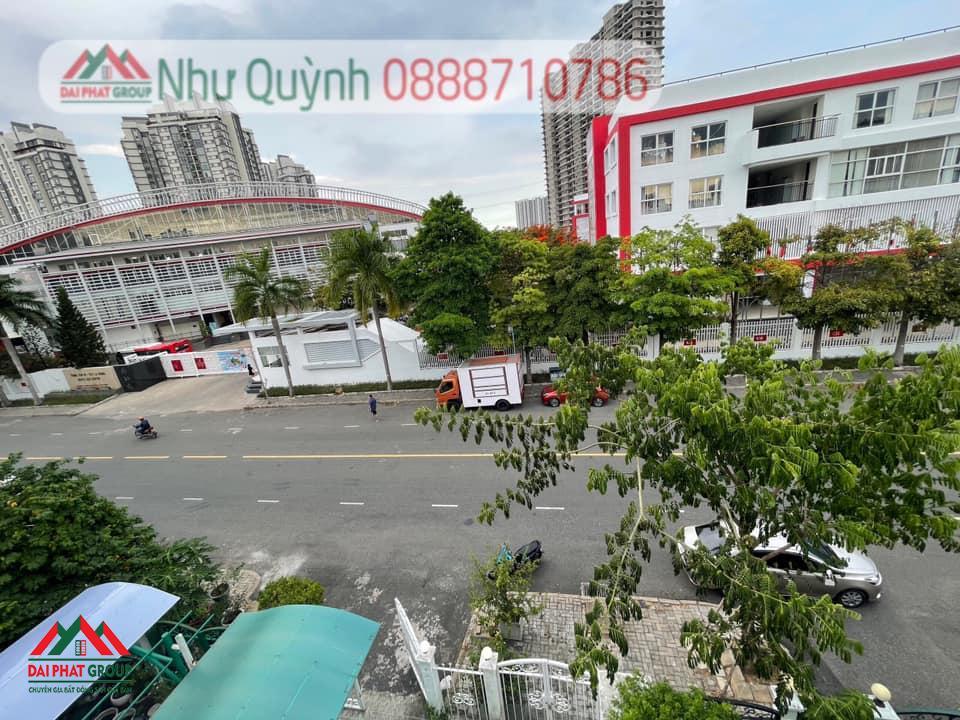Ban Biet Thu My Thai 3 Doi Dien Truong Canada Duy Nhat 1 Can Con Sot Lai 30 Ty