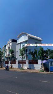 Cho Thue Biet Thu Nam Thong Hon 300m2 Full Noi That Ho Boi Ham Dau O To